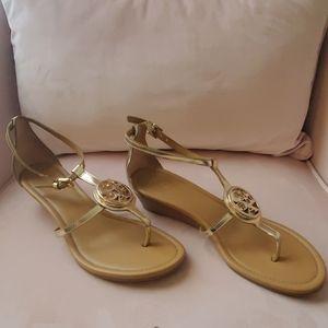 Vipor Gold coach sandals size 6
